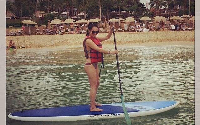 Dorothy Wang learns to paddleboard